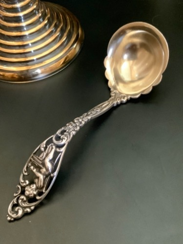 "Dominick & Haff 스털링 ""Labors of Cupid"" 크림 국자 Dominick & Haff Sterling ""Labors of Cupid"" Sauce Ladle circa 1900"
