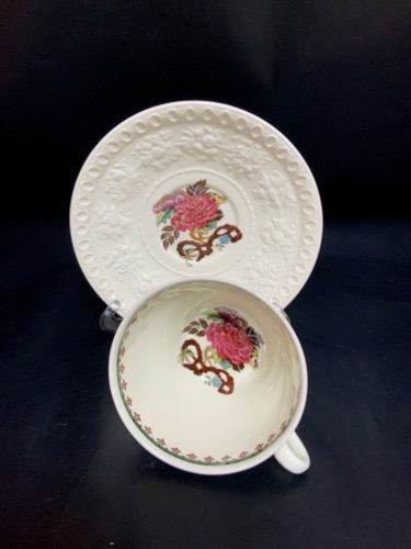 "웨지우드 퀸즈웨어 웰슬리 ""Bullfinch"" 컵&소서-있는 그대로-  Wedgwood Queensware  Wellesley ""Bullfinch"" Cup & Saucer circa 1950 - AS IS"