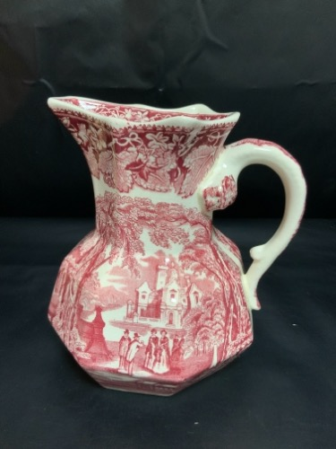 메이슨 'Vista' 레드&화이트 전사 피쳐 W/용 핸들  Mason's 'Vista' Red & White Transferware Pitcher With Dragon Handle C. 1940's