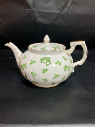 "앤슬리 ""Shamrock"" 티팟-있는 그대로-(크랙)  Aynsley ""Shamrock"" Tea Pot - AS IS - Nice Display Piece"